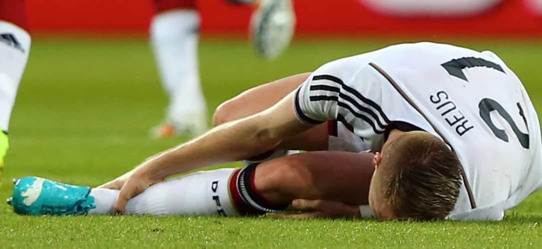 lesión de rodilla de Reus