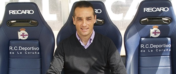 José Luis Oltra en el banquillo