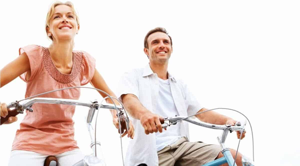 pareja en bici