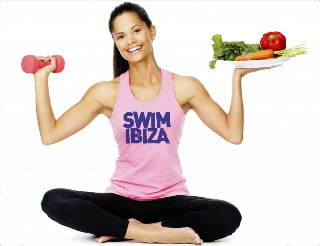 Chica en equilibrio deportivo y nutricional