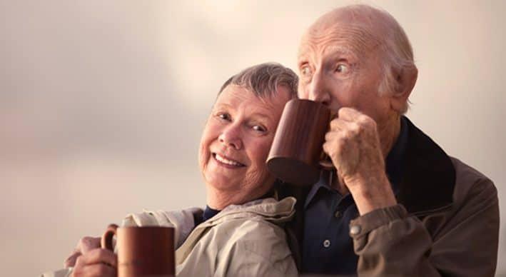 Café y personas mayores