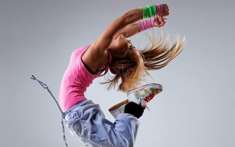 Chica bailando break