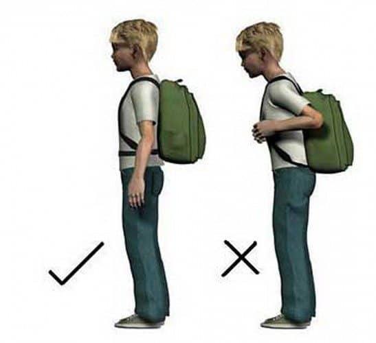 Postura llevando mochila