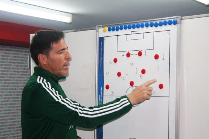 estrategia y táctica en el fútbol