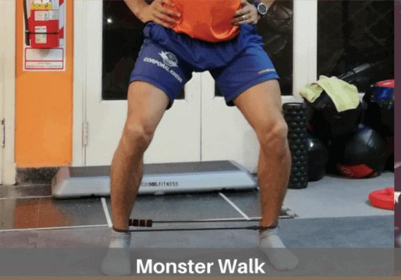 Monster Walk o caminata con banda circular en tobillos.