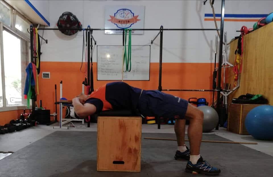 Extensión torácica y activación dorsal.