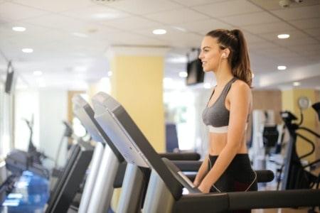 Se consigue bajar de peso entrenando