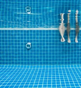 Entrenamiento en piscina con aquarunning