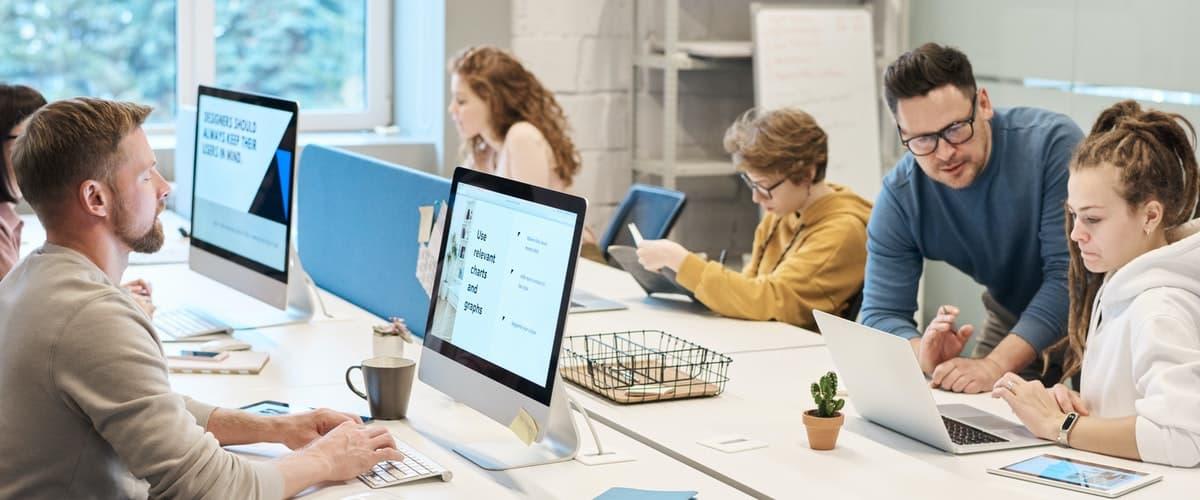 mejorar la postura delante del ordenador