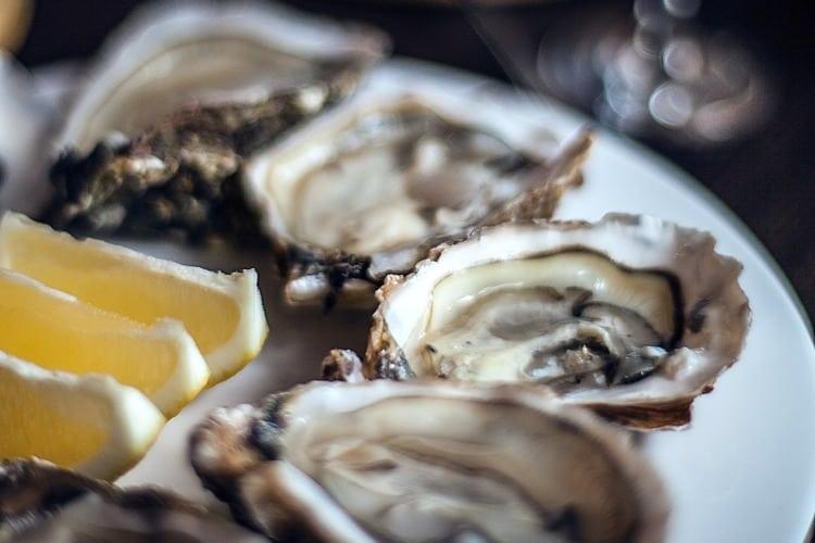 La ingesta de marisco crudo no es recomendable