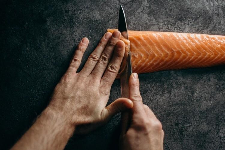el salmón es el mejor pescado para la comida pre entreno