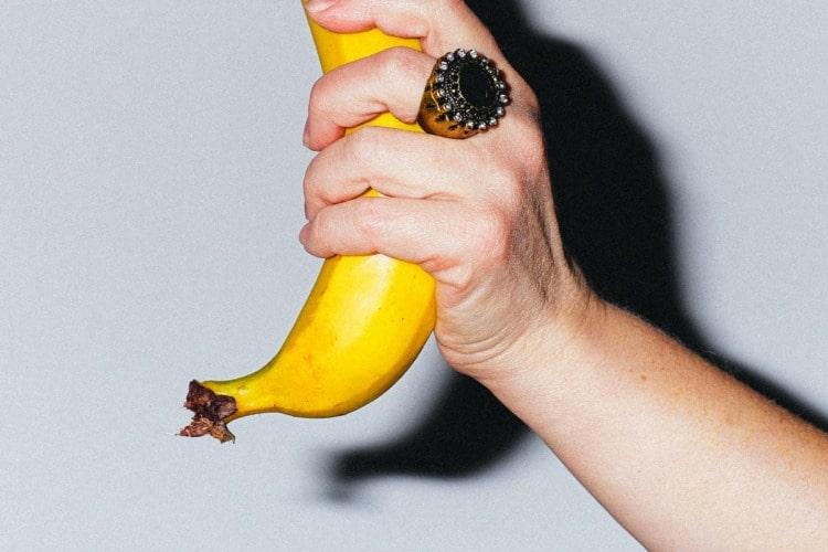 el plátano es un alimento con varias propiedades para los deportistas