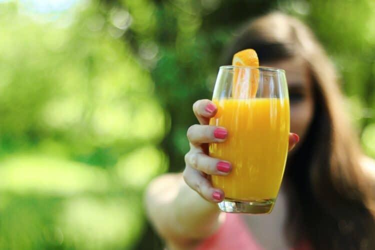 ciertos zumos de frutas pueden contener goma xantana
