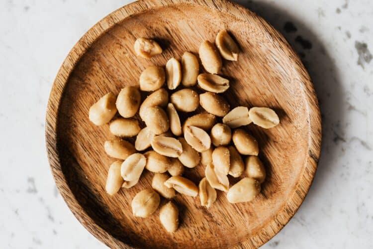 Los cacahuetes contienen nutrientes esenciales