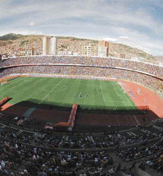 Estadio fútbol en altura