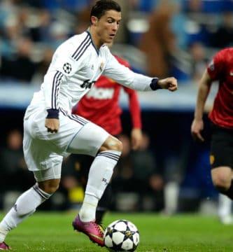 Ronaldo jugando contra el manchester
